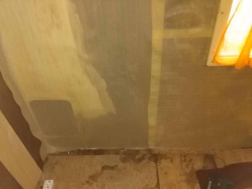 olepená stěna miralonem