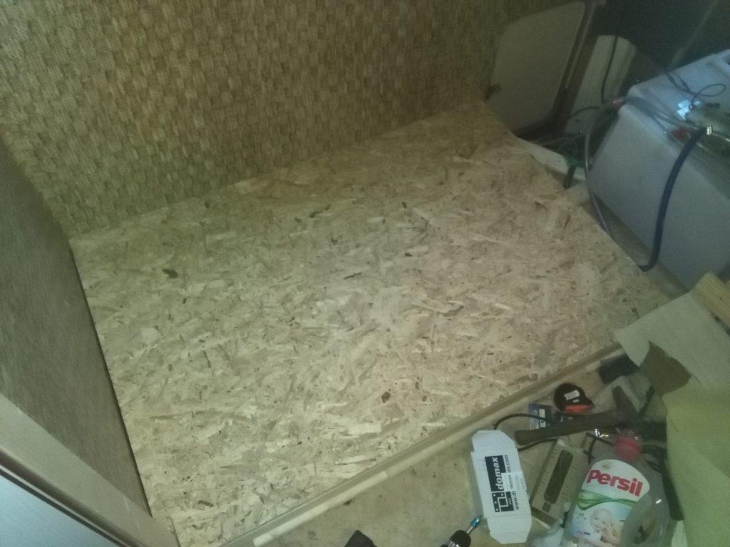podlaha pod křesla je připravená